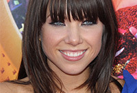 Carly-rae-jepsen-hair-and-makeup-side
